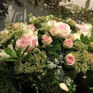 Panier de fleurs simple deuil