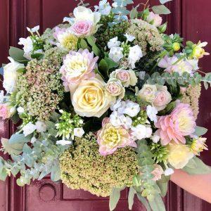 bouquet de fleurs fraiches rond pastel
